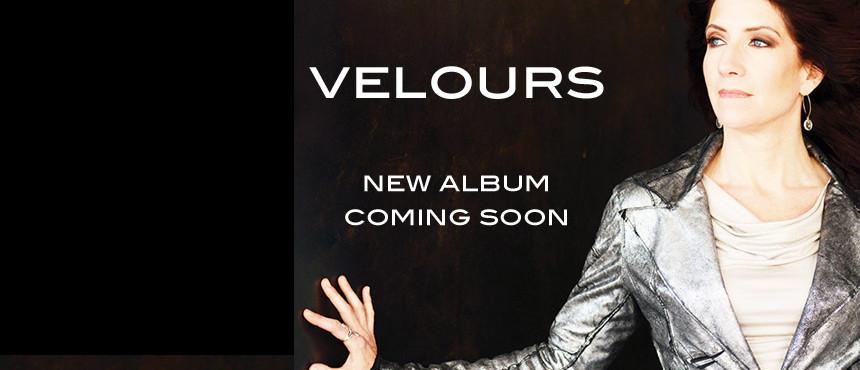 Valerie-Ghent-Velours-Slider.Aug3